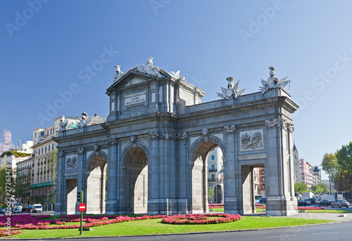 Foto  The Puerta de Alcala in Madrid