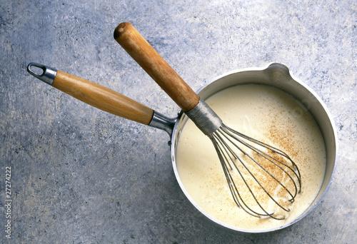 Photo Sauce béchamel en préparation