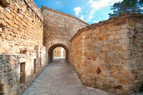 sredniowieczne-miasto-peratallada-hiszpania