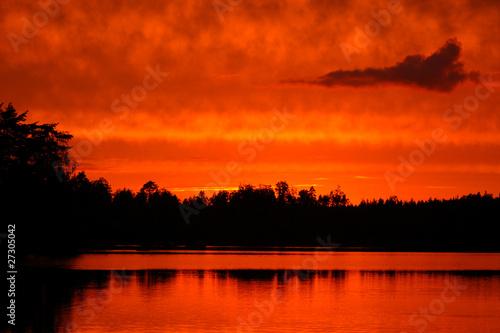 Fotobehang Rood Sonnenuntergang in Schweden