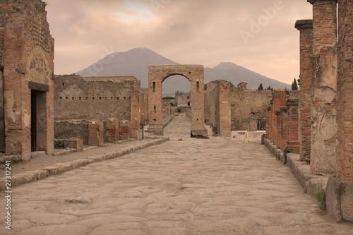 In de dag Napels Il Vesuvio e le rovine di Pompei