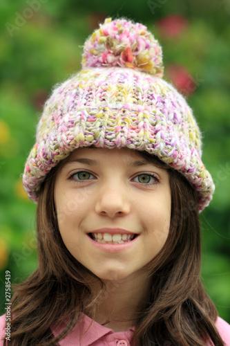 Photographie  Bimba sorridente con cappello di lana