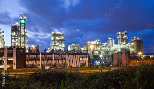 Staande foto Industrial geb. Industrial twilight