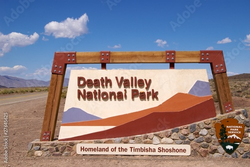 Fotobehang Natuur Park Entrance sign Death Valley National Park