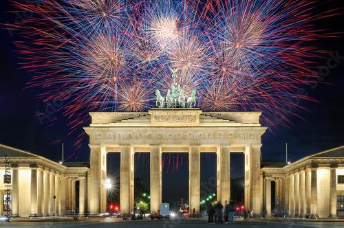Vászonkép Feuerwerk am Brandenburger Tor