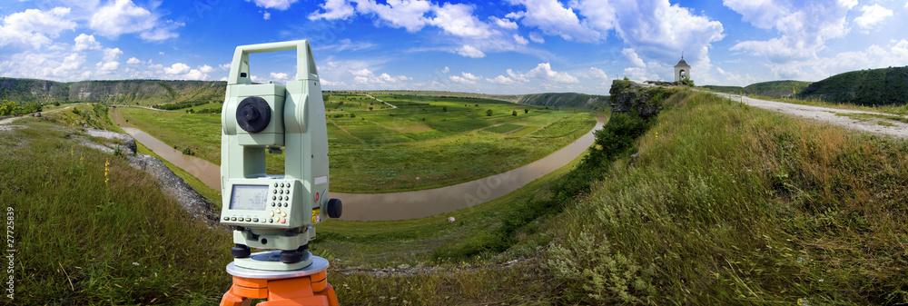 Fototapety, obrazy: Theodolite measurement instrument outdoors