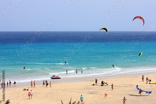 plage de kitesurfeurs