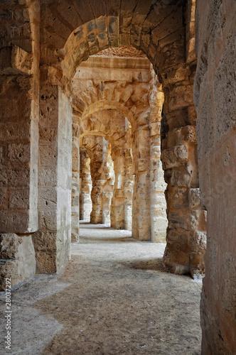 przejscie-w-starozytnym-rzymskim-amfiteatrze
