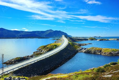 Plakaty krajobraz malowniczy-krajobraz-norwegii-atlanterhavsvegen