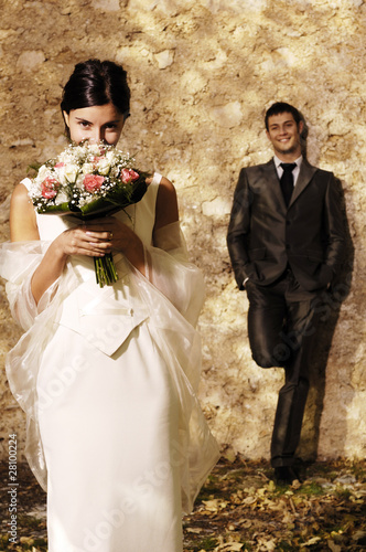 Fotografie, Obraz  Sposa si nasconde dietro bouquet