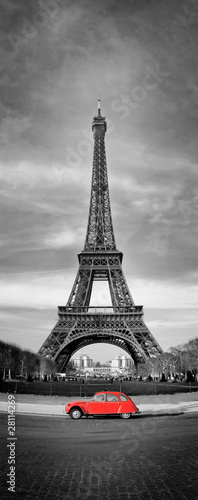 Poster Red, black, white Tour Eiffel et voiture rouge- Paris