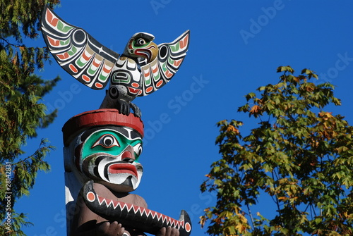 Poster Indiens Totem shaped in Stanley park, BC Canada