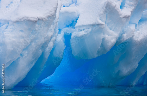 Photo sur Toile Glaciers Huge iceberg