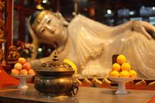 Buddha Statue At Jade Buddha T...