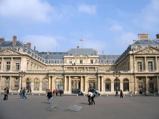 Fototapeta na wymiar Paris et sont Conseil d'Etat