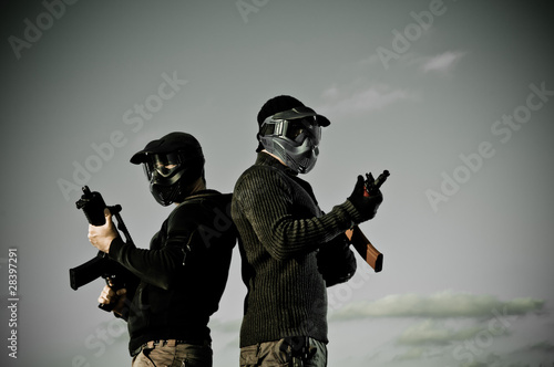 Fotomural  Two airsoft players