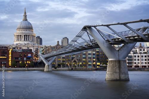 Photo  Millennium bridge and St. Paul's cathedral