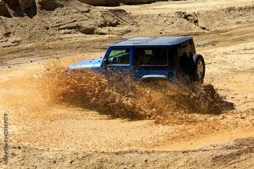 Fotomural Jeep in Mud