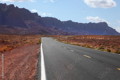 Photo Stands Eggplant Automobile road to desert