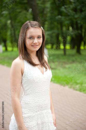 Fototapety, obrazy: Lady in white