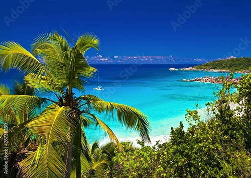 Foto-Kissen - Dream seascape view, Seychelles, La Digue island (von Malbert)