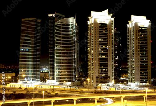Obrazy na płótnie Canvas Night city