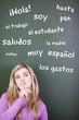schülerin lernt spanisch vokabeln