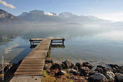 Naklejki krajobraz  krajobraz-jeziora-z-pomostem