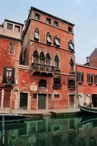 Deurstickers Brugge Venice: 13th Century palace in Cannareggio area