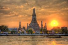 Wat Arun Thailand Temple In Sunset Scene
