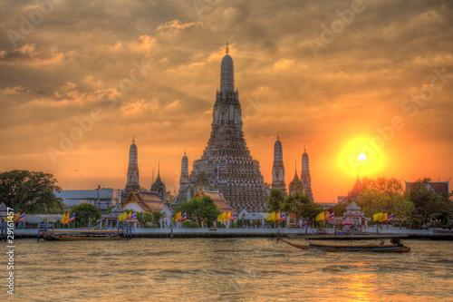 Poster Bangkok Wat Arun Thailand Temple in Sunset scene