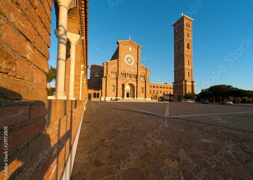 Photo basilica Anzio