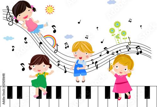 dzieci-grajace-musical