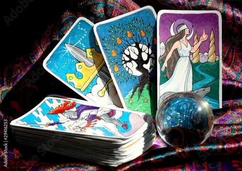 Fotografie, Obraz  Tarot cards and crystal ball