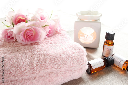 Fotografie, Obraz  Pink roses and aroma goods