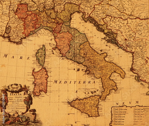 Photo antique map of Italy