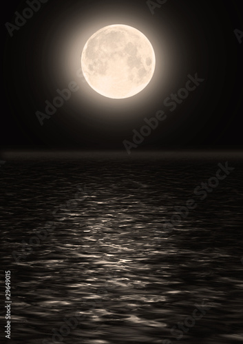 Poster Pleine lune The full moon in the night sky over water