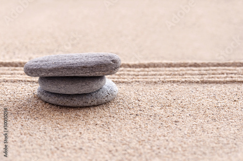 Photo sur Plexiglas Zen pierres a sable Sable et galets zen