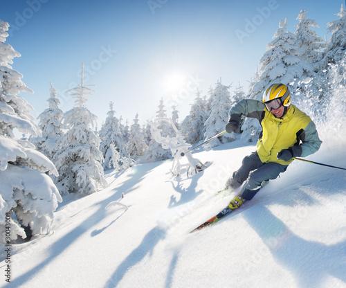 Cuadros en Lienzo skier in mountains - european style