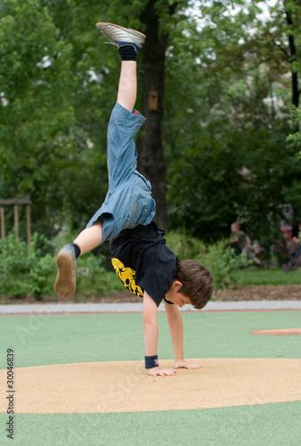 Fototapeta breakdance, beginnings obraz