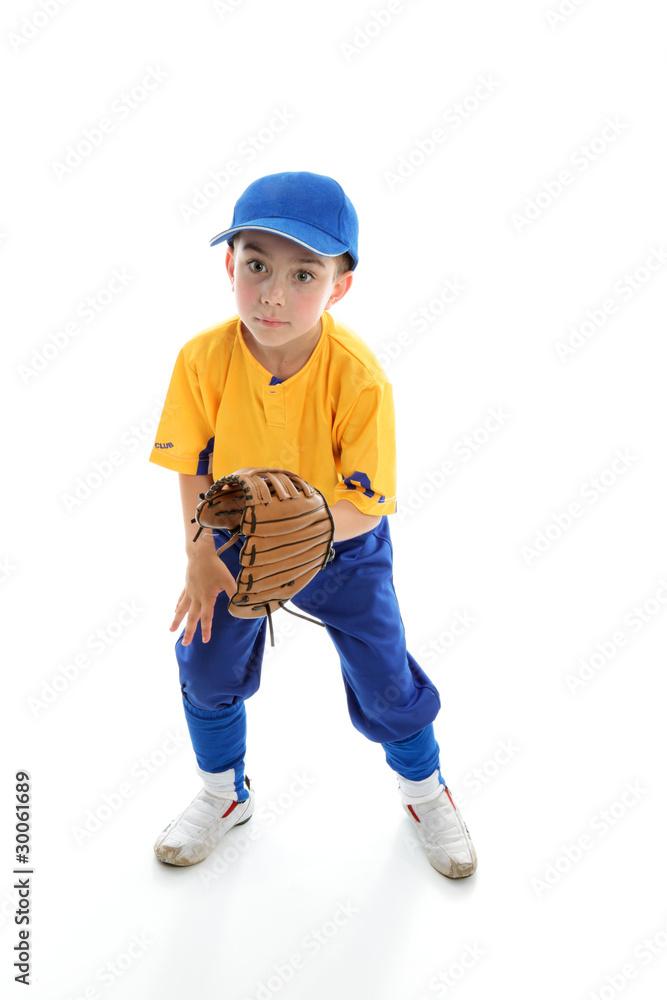 Fotografía Child baseball softball player crouching with mitt ...