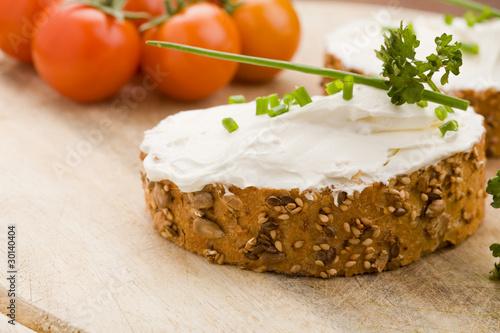 Fotografie, Obraz  Pane ai cereali con creme fraiche