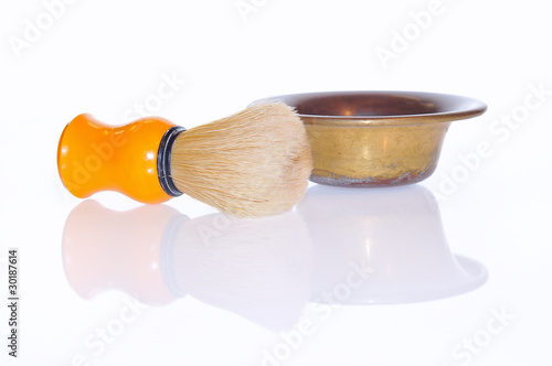 Fotografia  Brocha de afeitado aislada.