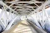 Fototapeta Fototapety przestrzenne - Groveton Covered Bridge (1852), New Hampshire, USA