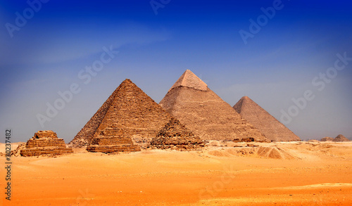 Tuinposter Egypte Great pyramids in Giza valley