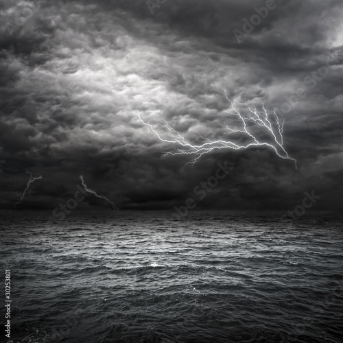 Montage in der Fensternische Onweer Atlantic Ocean Storm