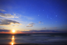 月の出とオリオン座