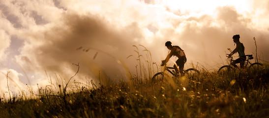 mountain bike couple outdoors