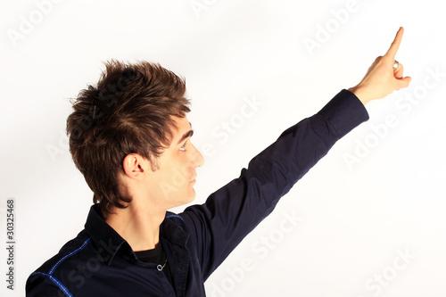 Fotografía  ragazzo che indica con il dito