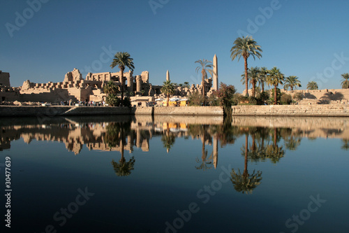 Tuinposter Egypte The Sacred Lake at Karnak Temple Luxor